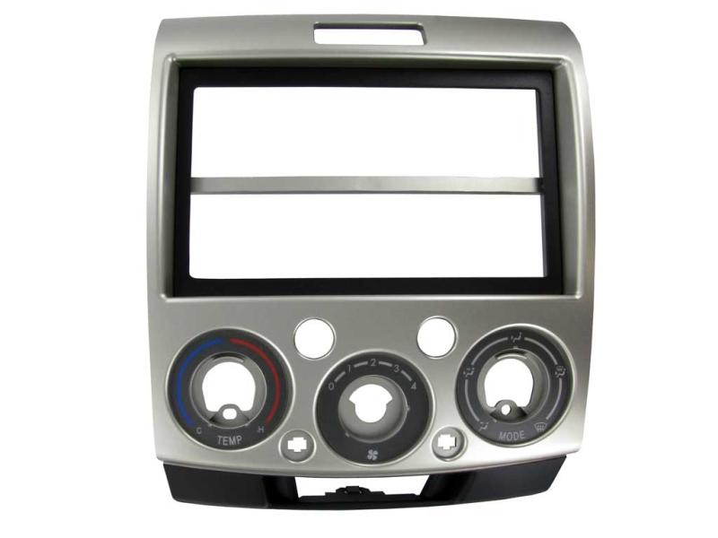 2-DIN monteringskit til diverse Mazda, sølv.