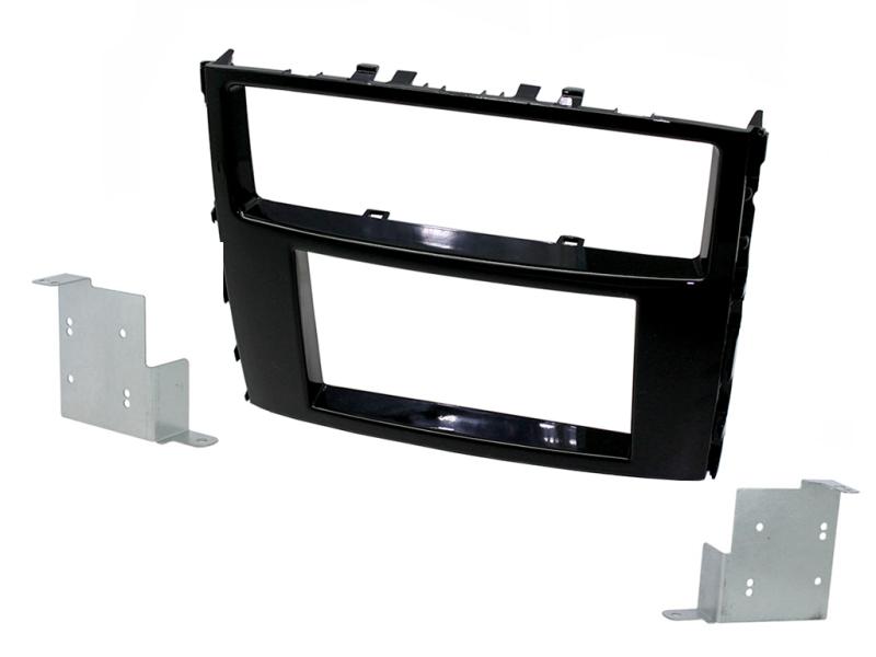 2-DIN kit til Mitsubishi Pajero 2014- i pianosort udførsel.