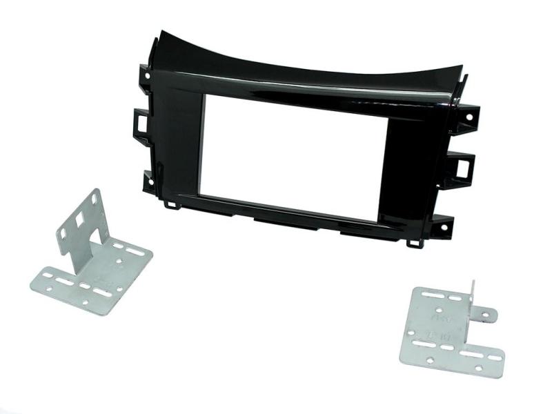 2-DIN monteringssæt til Nissan Navara 2015- i blanksort udga