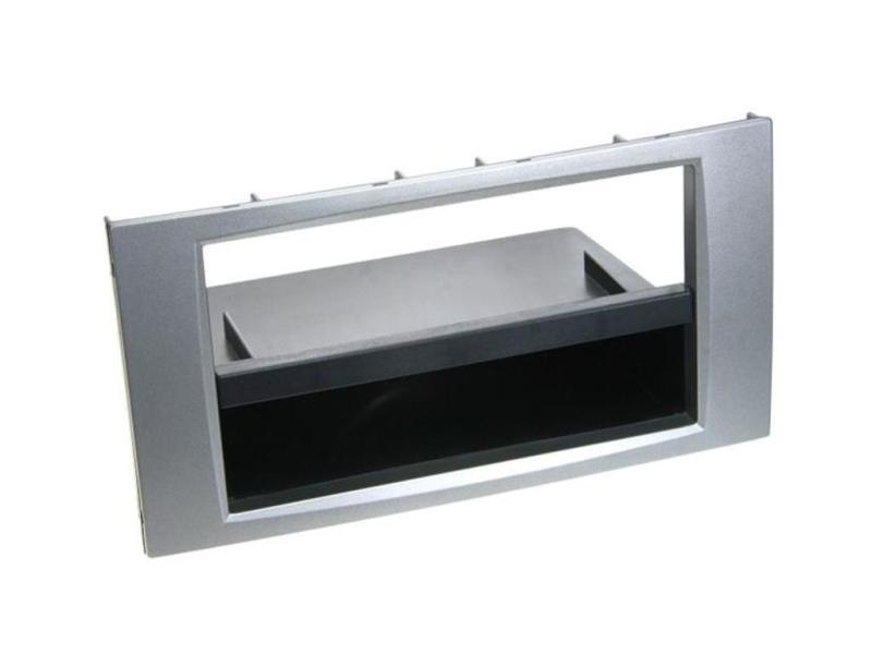 1-DIN kit sølv til modeller med firkantet Ford 6000CD radio.